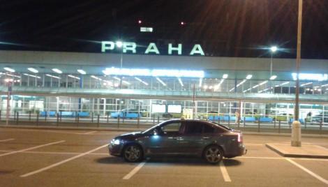 V Prahe na letisku